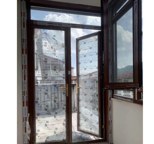 某小区的门窗安装实景图