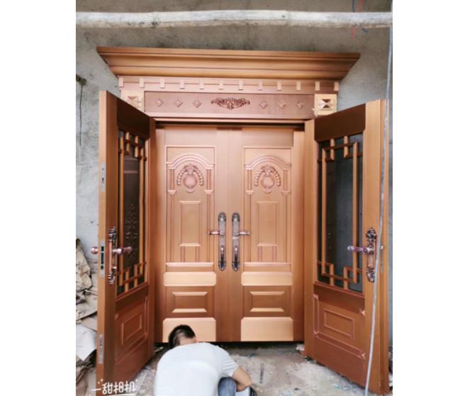惠州某别墅小区业主安装防盗入户门