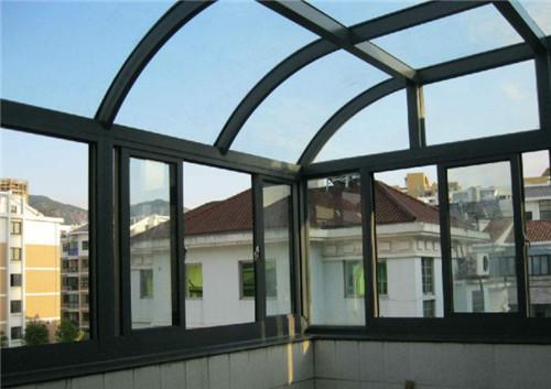 玻璃顶的阳光房
