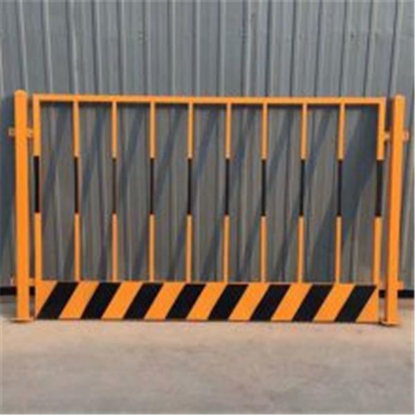 成都防护栏杆的高度标准是多少
