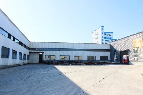 华龙钢构厂区环境
