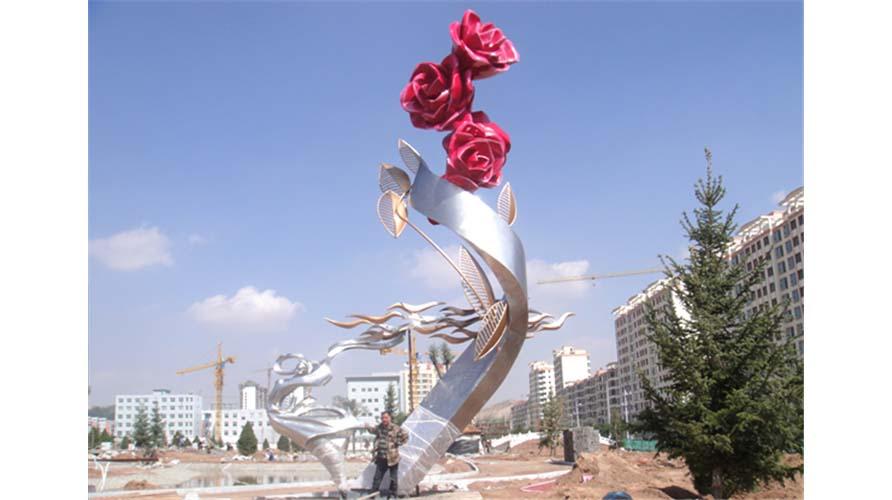 甘肃永登-《玫瑰之约》高12米