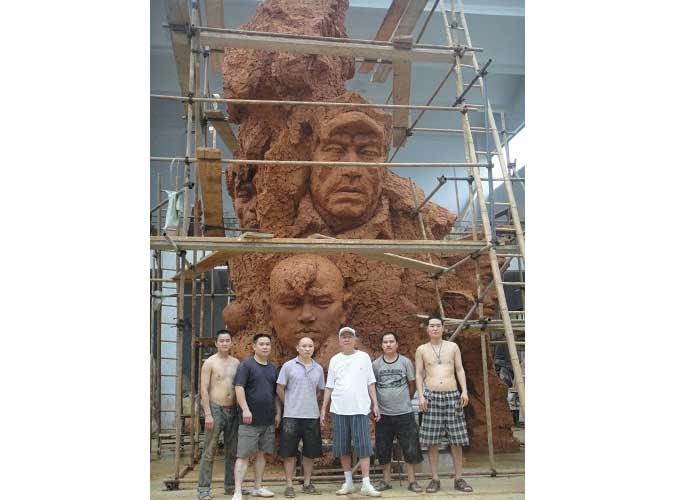 给著名雕塑家叶毓山先生制作的雕塑3