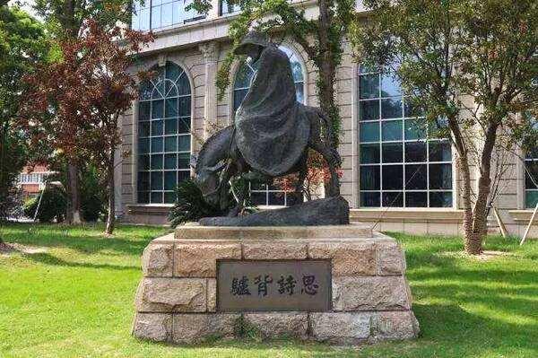 成都人物雕塑常见的五大分类
