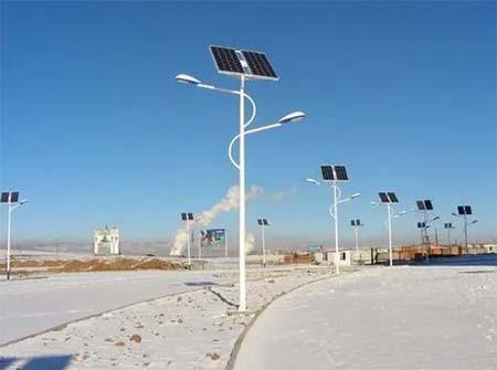 太阳路灯的工作原理及特点