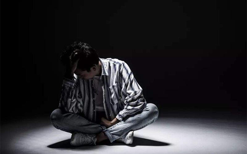 什么是焦虑性神经症?怎样自我判定和自我治疗神经性焦虑症?