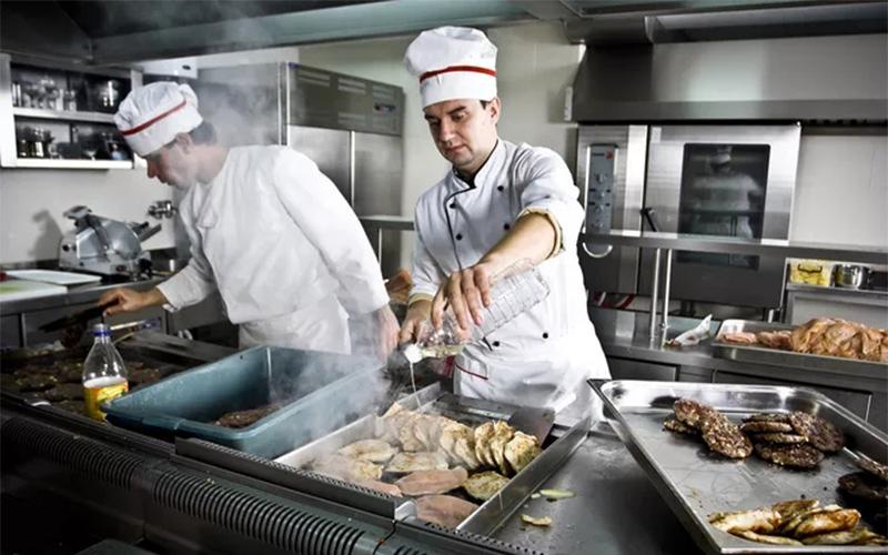 厨师想要出国劳务需要注意什么呢