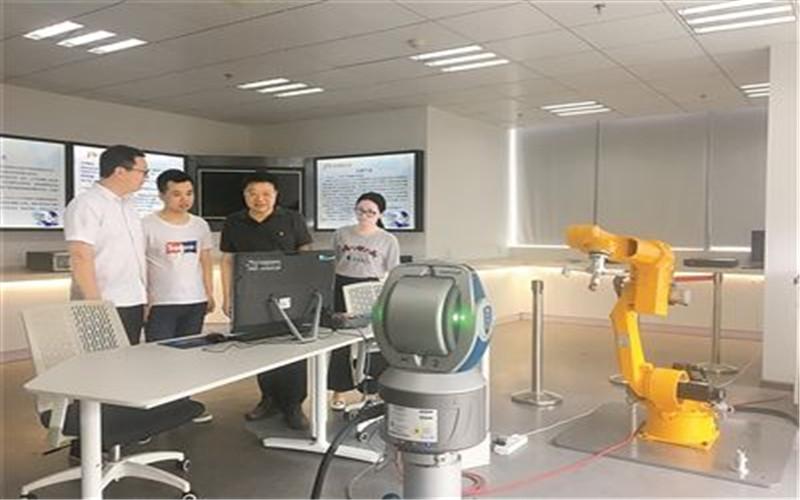 关于工业机器人维修保养介绍
