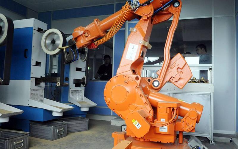 工业机器人中的打磨机器人的应用优势