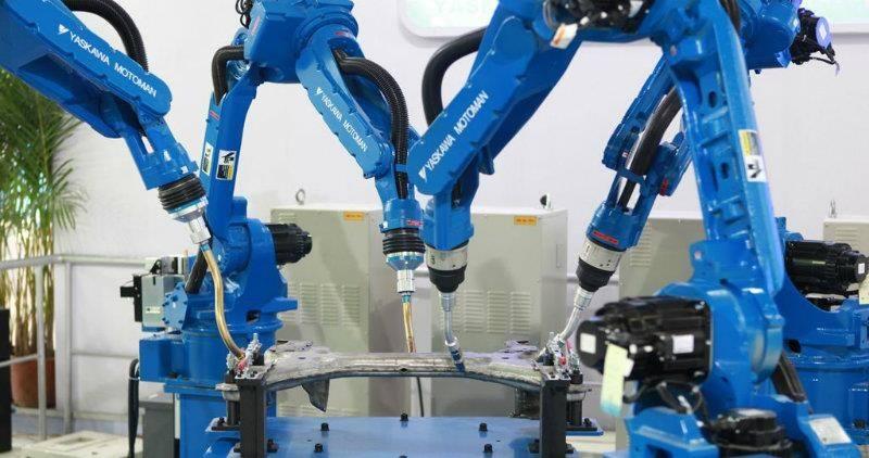 大连工业机器人的六种传感器