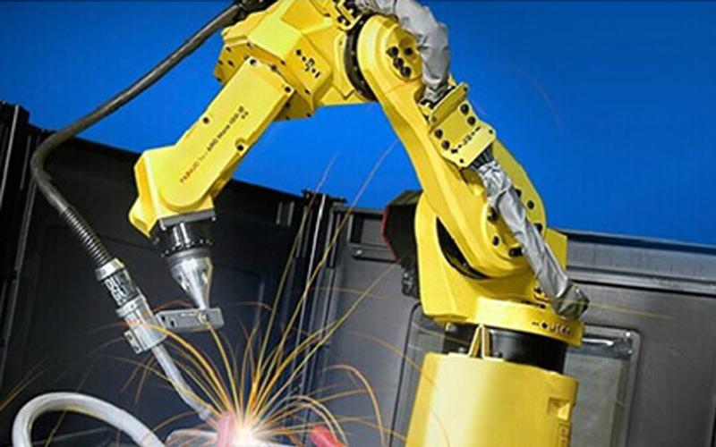 工业机器人:焊接机器人的操作要注意什么