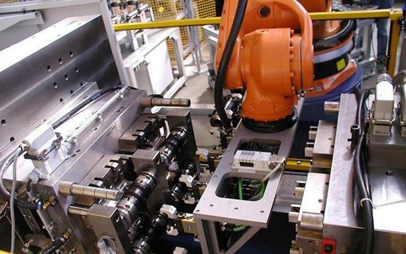 工业机器人和协作机器人一样吗?