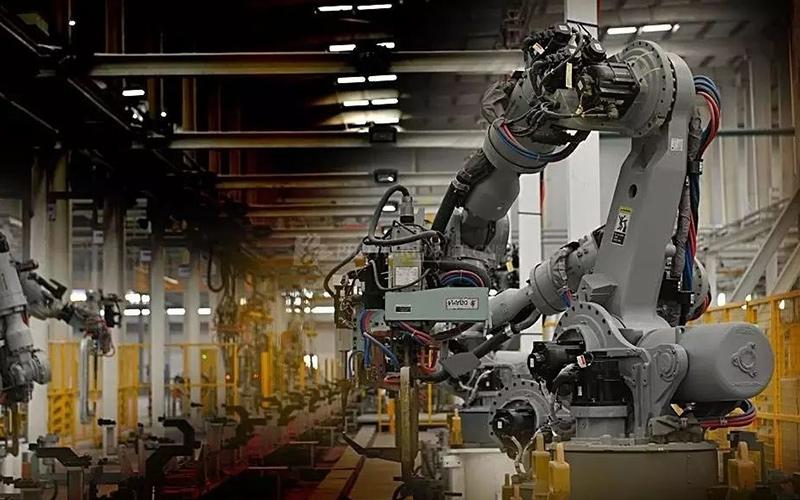 什么是工业机器人?新时代包身工么?