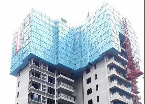 如何在建筑物外侧去搭建广州爬架网