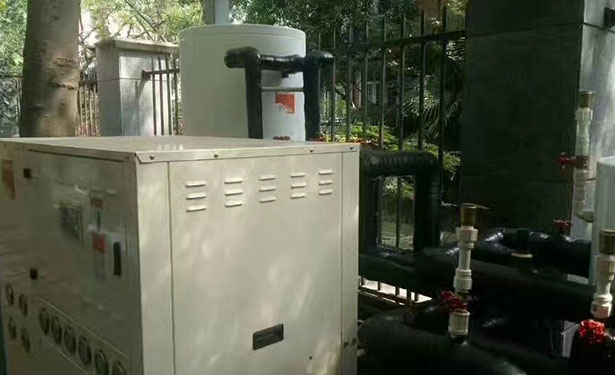 热泵目前较多地应用于冷暖空调机