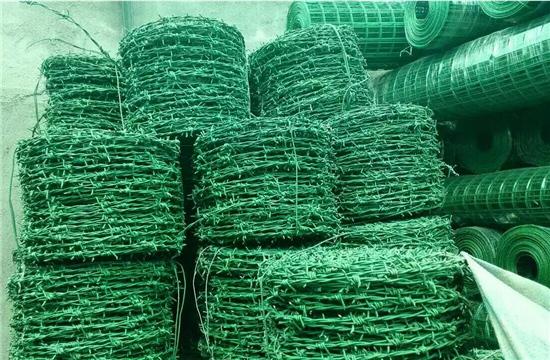 养殖户如何正确选择养殖西安铁丝网厂家?