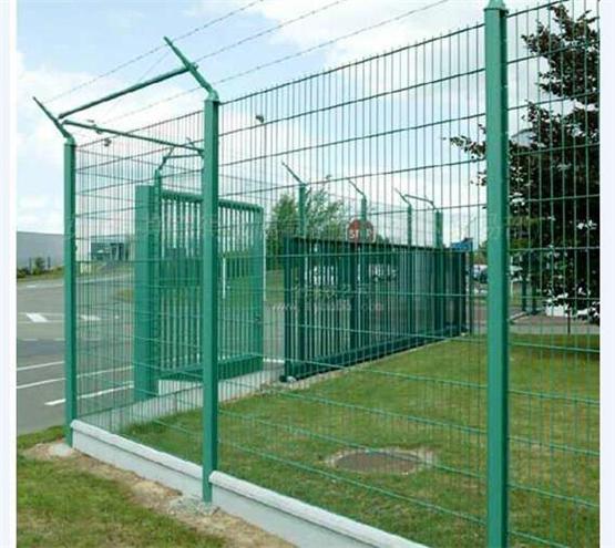 延长护栏网的使用寿命的正确打开方式关注一下