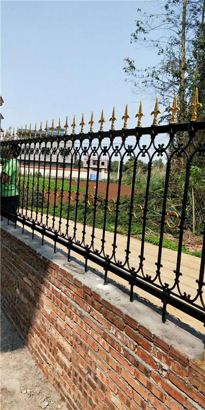 安装铁路护栏网需注意以下三大事项!