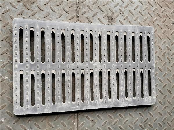 铸铁雨水篦的尺寸如何进行选择?以及如何防治其不进行变形?