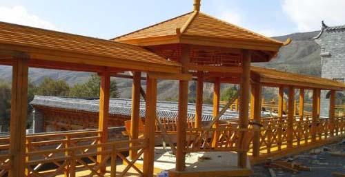 关于防腐木长廊的维护和保养,不了解会后悔