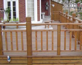 为什么说成都防腐木栏杆是庭院公园中的标配
