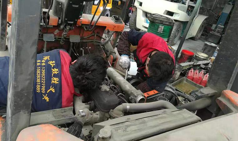 四川叉车维修案例