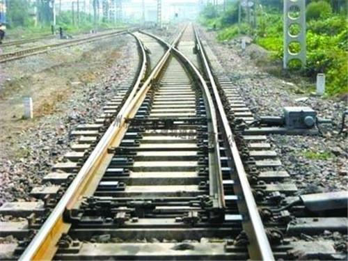 平时应该要怎样对铁路道岔进行维护保养呢?
