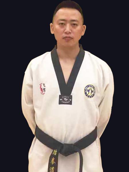 少儿跆拳道教练——汤星