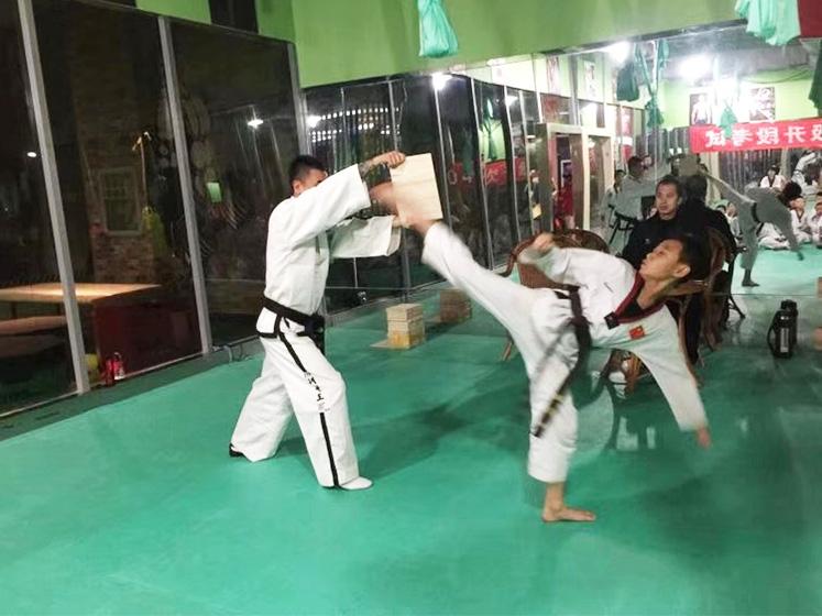 儿童跆拳道培训现场