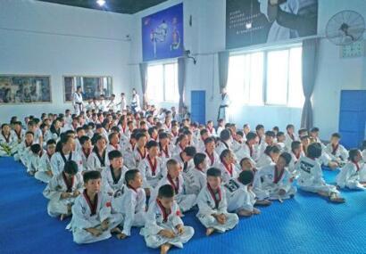 跆拳道培训现场照片