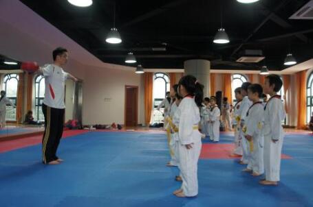 雪飞教练教大家如何判断兰州跆拳道培训是否正规