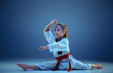 跆拳道培训过程中提高腿部力量的方法
