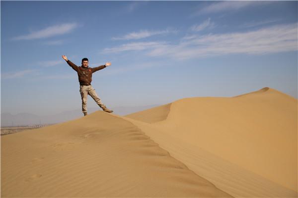 库布齐沙漠旅游 | 去看沙漠和北斗星