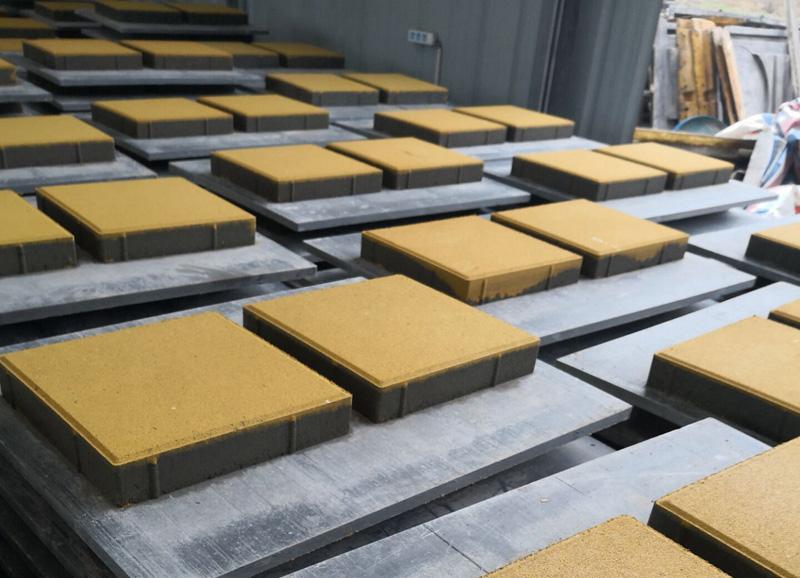 为什么铺路一定要使用四川透水砖?
