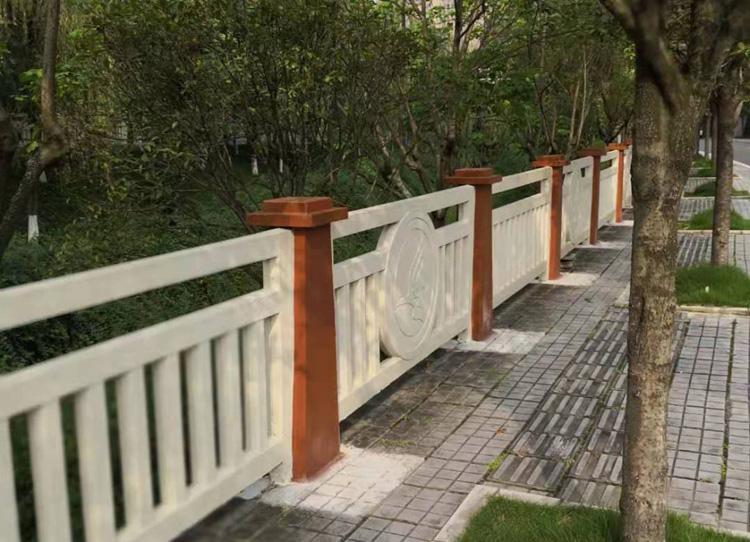 我们是怎么进行成都仿石栏杆材质设计的呢?