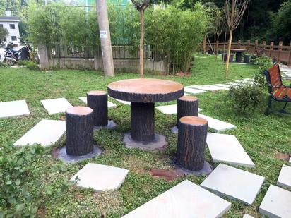成都仿木桌椅