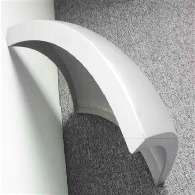 解析双曲铝单板要比普通的铝单板价格高的原因