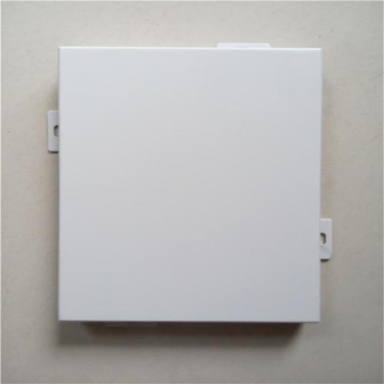 什么原因会导致氟碳铝单板会出现脱漆现象?