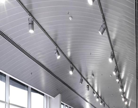 铝天花板的粗糙解决三个方法铝天花板吊顶清洁三个方法!