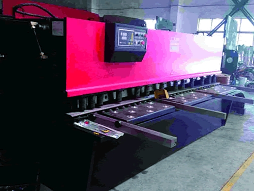 电子数显液压闸式剪板机
