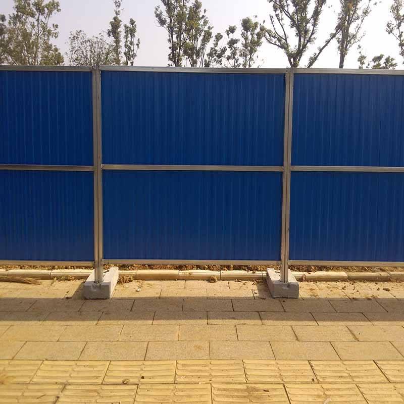 在使用成都彩钢围挡时有哪些要求和标准