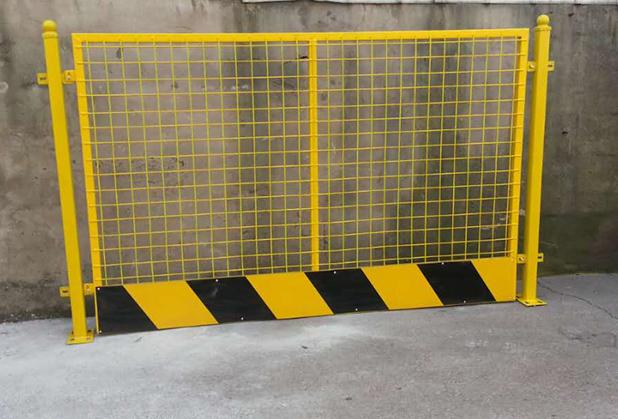 在进行成都基坑护栏安装时要做好哪些步骤