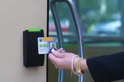指纹锁在门禁系统中的角色是什么