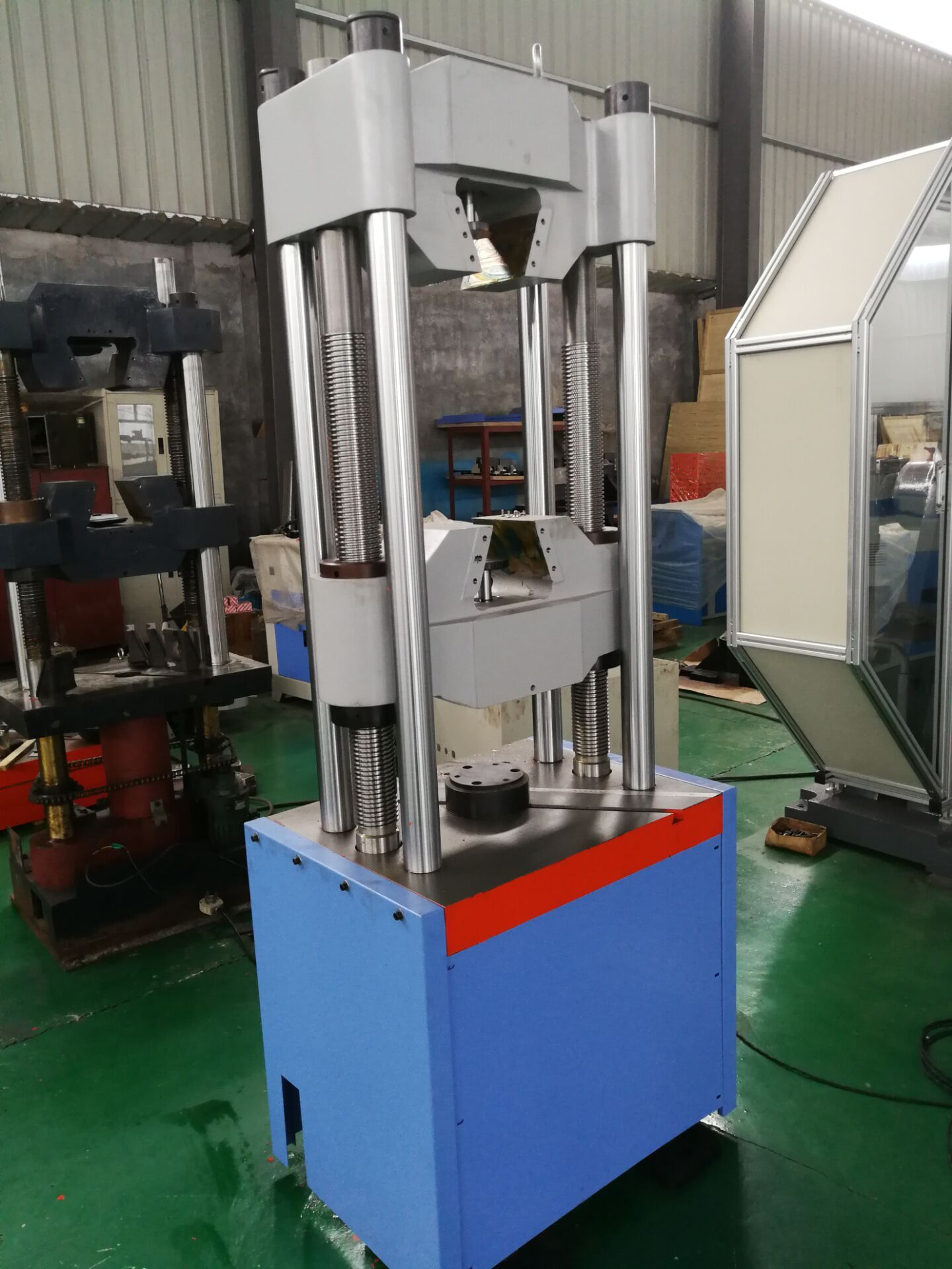 四立柱电液伺服液压..材料试验机