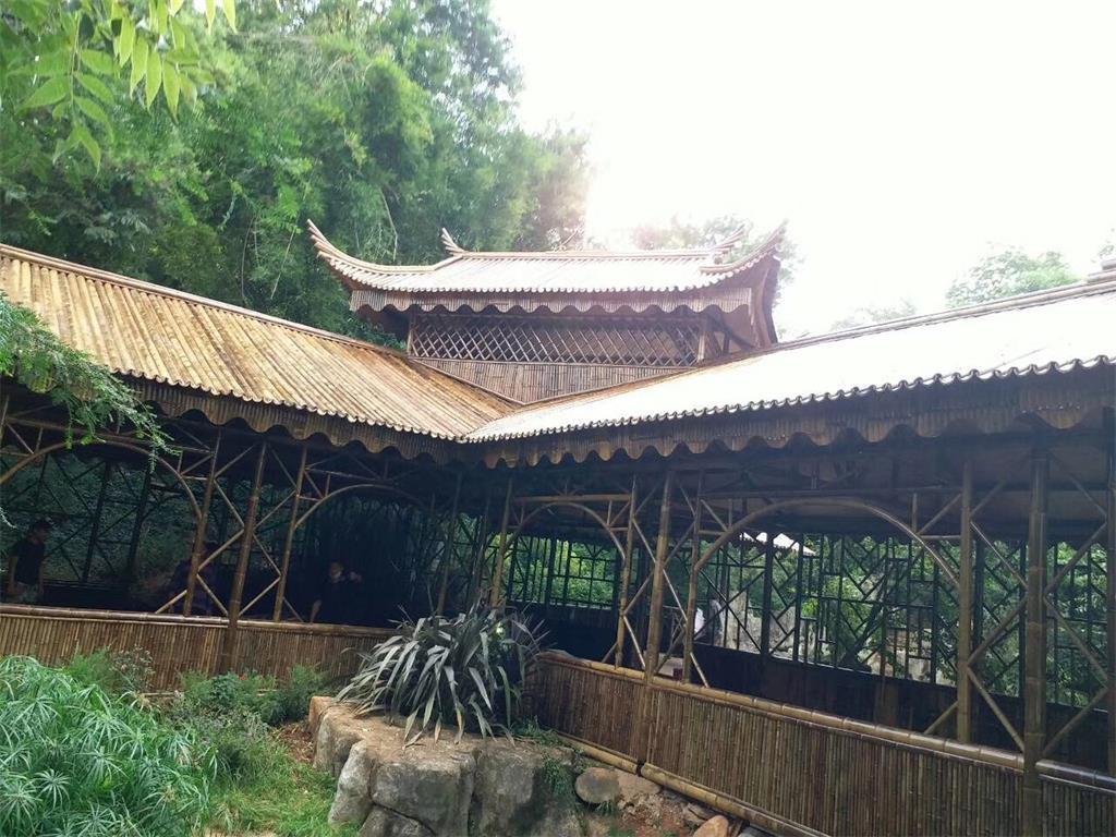 有效的维护可以延长竹楼的使用寿命