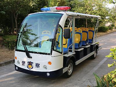 城管执法巡逻车