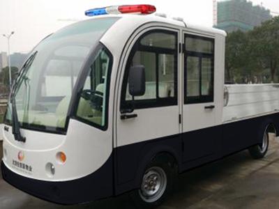 城管巡逻车