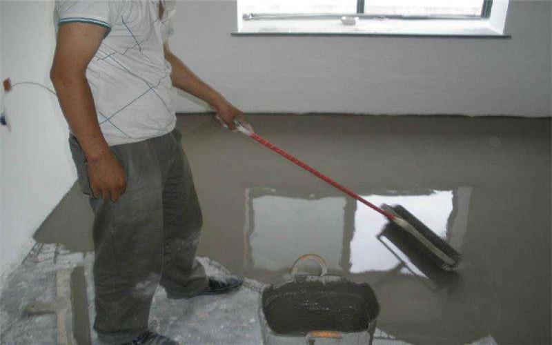 为什么现在很多人装修铺地板之前都先做自流平?