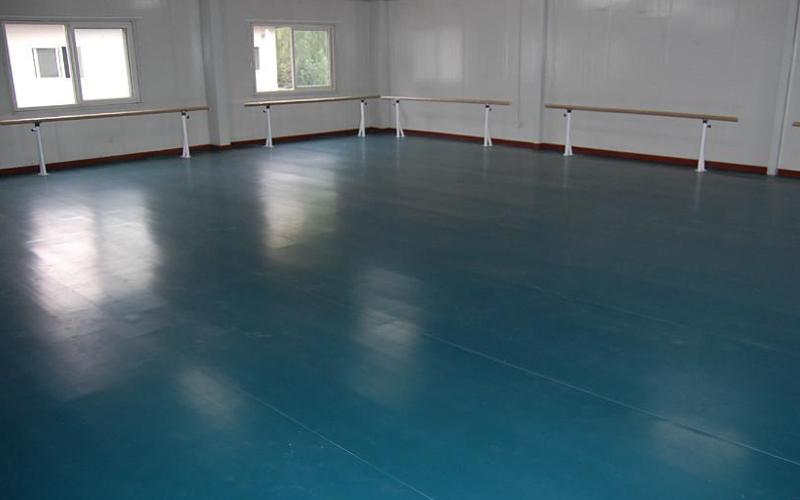 舞室地胶自流平怎么清洁?