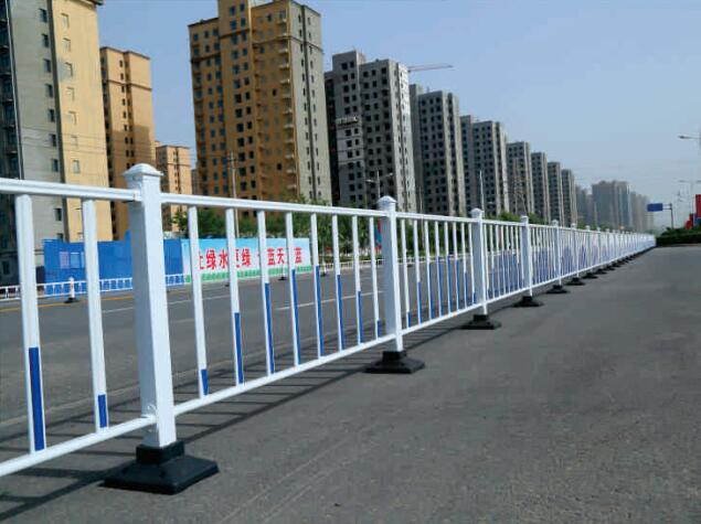 巴中锌钢道路护栏